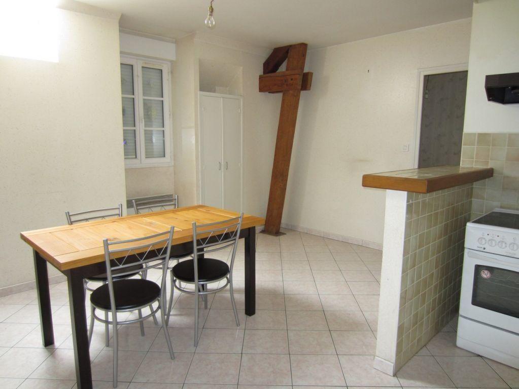 Appartement à louer 2 37m2 à Selles-sur-Cher vignette-6