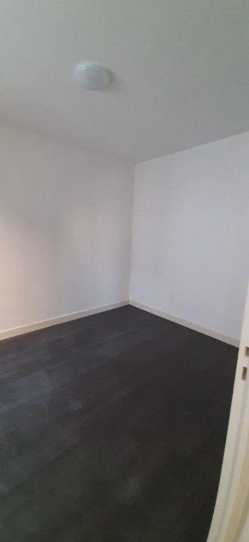 Maison à louer 2 32m2 à Romorantin-Lanthenay vignette-2