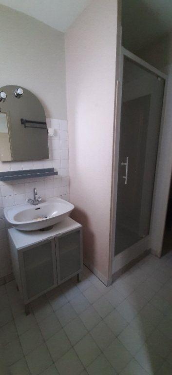 Maison à louer 2 32m2 à Romorantin-Lanthenay vignette-3