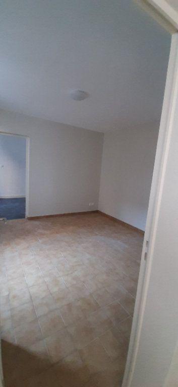 Maison à louer 2 32m2 à Romorantin-Lanthenay vignette-4