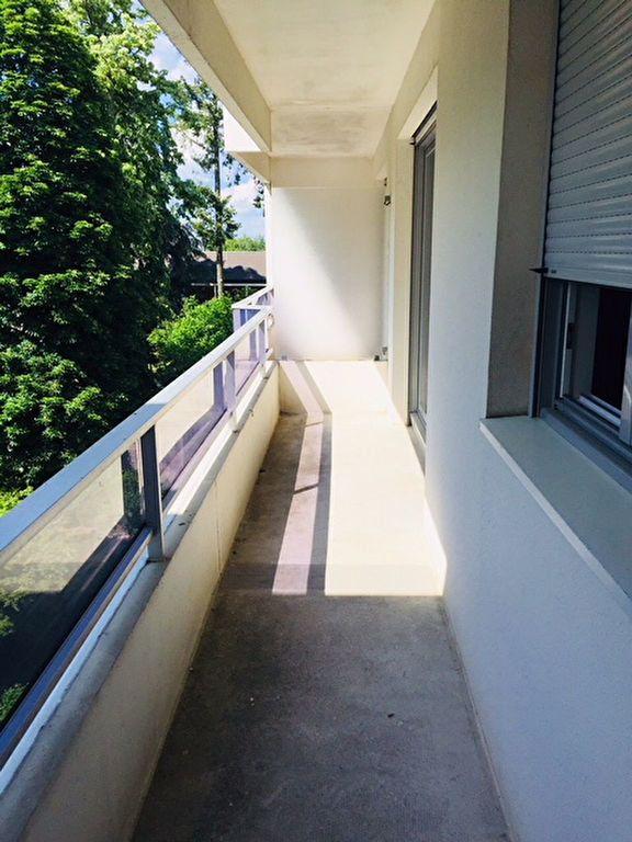 Appartement à louer 1 26m2 à Romorantin-Lanthenay vignette-3