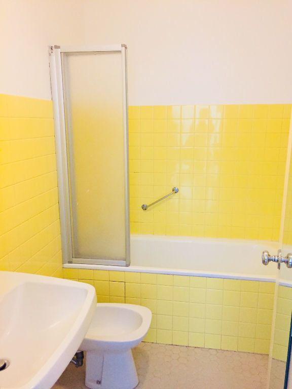 Appartement à louer 1 26m2 à Romorantin-Lanthenay vignette-6