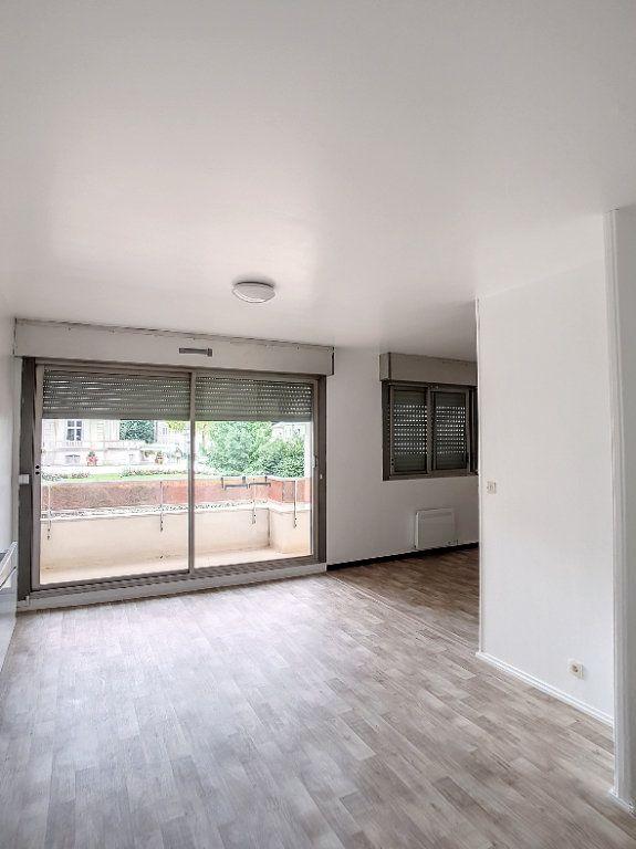 Appartement à louer 2 43.37m2 à Romorantin-Lanthenay vignette-3