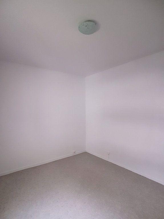 Appartement à louer 2 43.37m2 à Romorantin-Lanthenay vignette-6