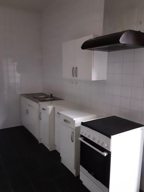 Maison à louer 4 80m2 à Romorantin-Lanthenay vignette-2