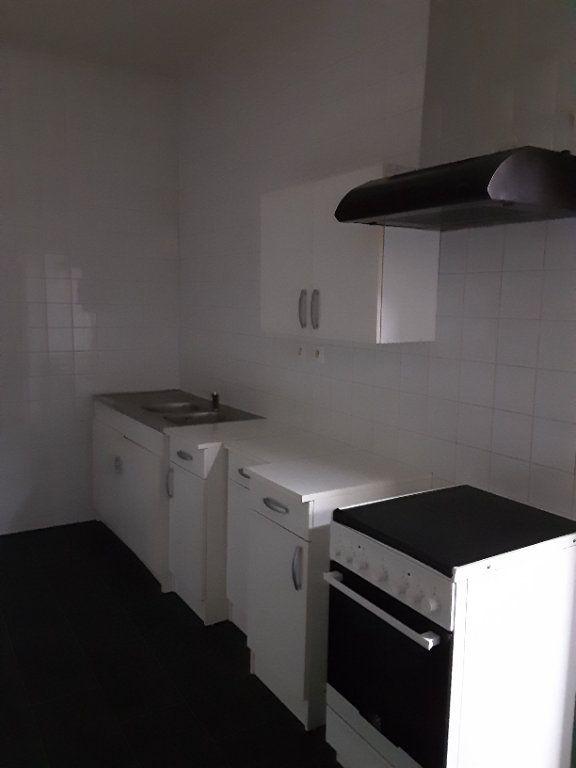Maison à louer 4 80m2 à Romorantin-Lanthenay vignette-10