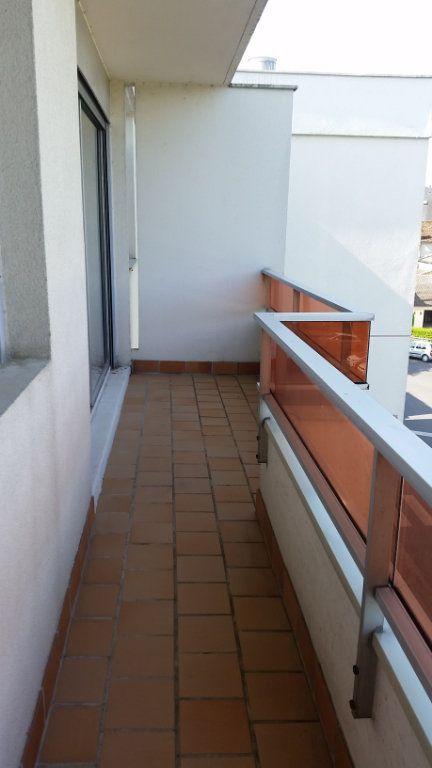 Appartement à louer 1 32.76m2 à Romorantin-Lanthenay vignette-2
