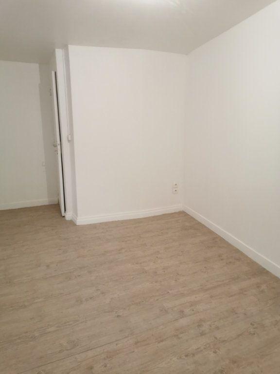 Appartement à louer 2 53m2 à Romorantin-Lanthenay vignette-2