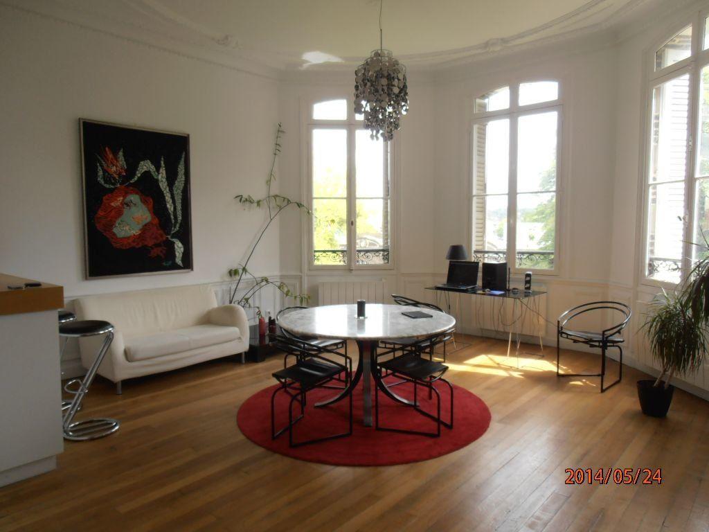 Appartement à louer 5 119.2m2 à Beauvais vignette-2