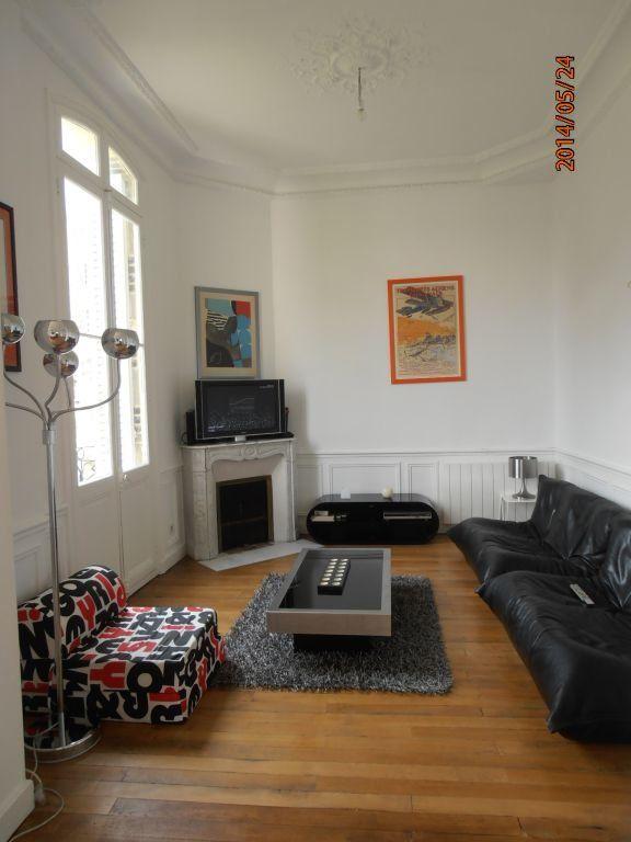 Appartement à louer 5 119.2m2 à Beauvais vignette-3