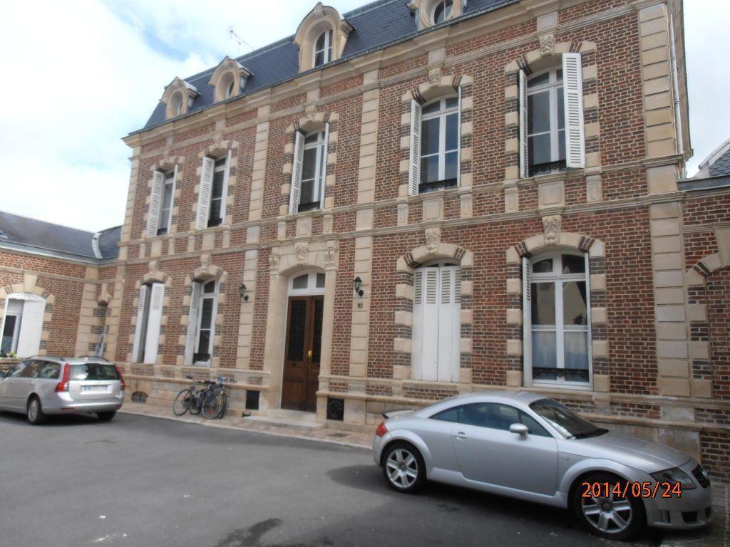 Appartement à louer 5 119.2m2 à Beauvais vignette-8
