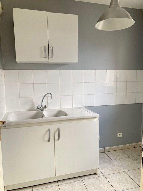 Appartement à louer 2 42m2 à Beauvais vignette-3