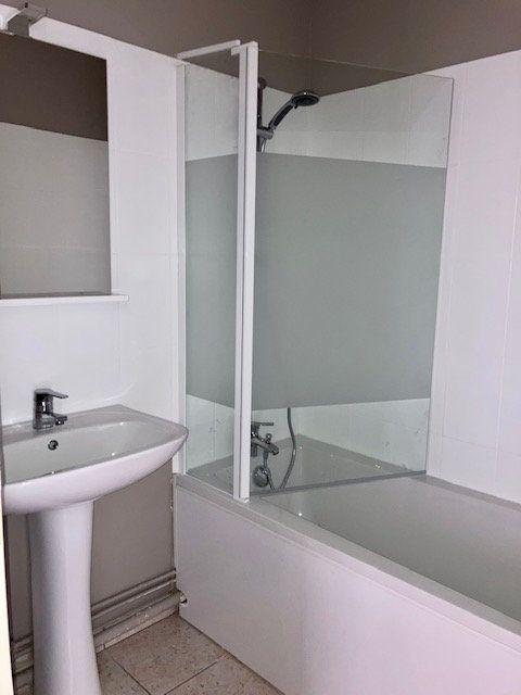 Appartement à louer 2 42m2 à Beauvais vignette-4