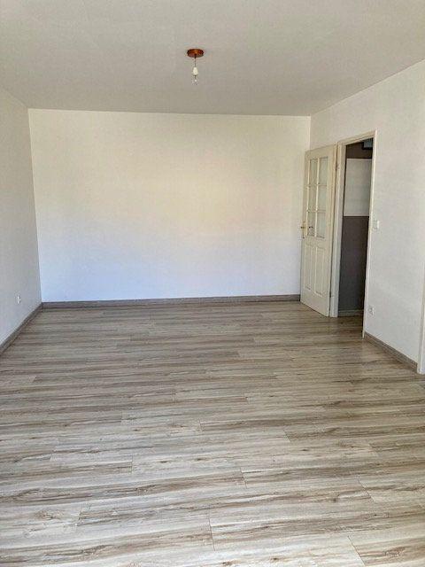Appartement à louer 2 42m2 à Beauvais vignette-8