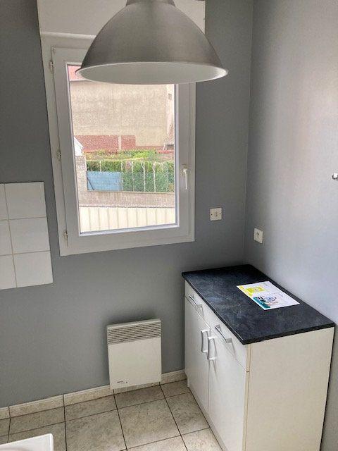 Appartement à louer 2 42m2 à Beauvais vignette-13