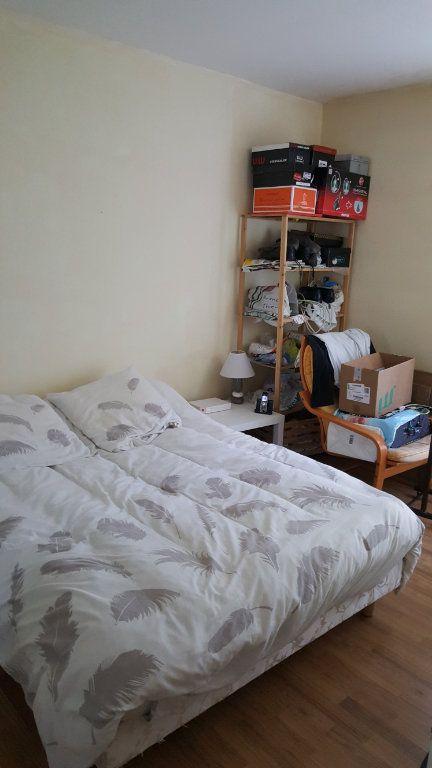 Appartement à louer 2 44m2 à Beauvais vignette-2