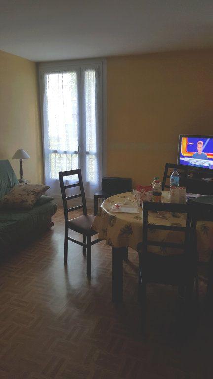 Appartement à louer 2 44m2 à Beauvais vignette-5