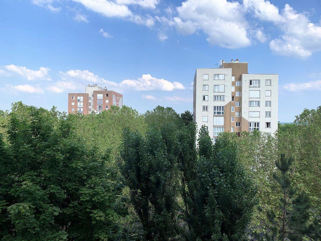 Appartement à vendre 2 49.5m2 à Beauvais vignette-2