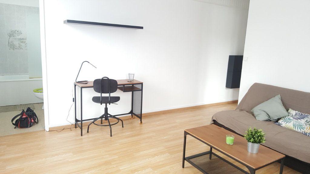 Appartement à louer 1 28m2 à Beauvais vignette-4