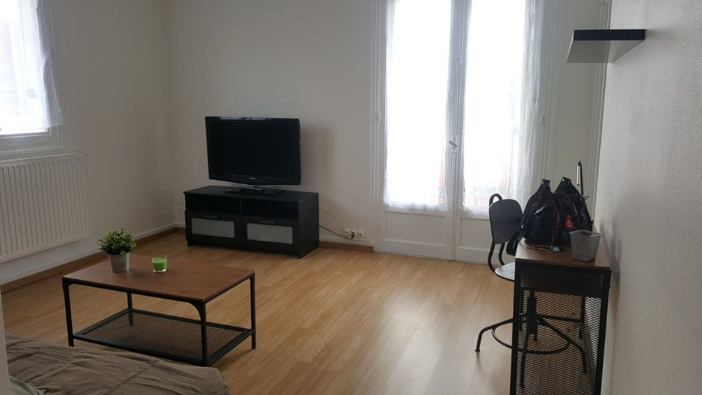 Appartement à louer 1 28m2 à Beauvais vignette-5