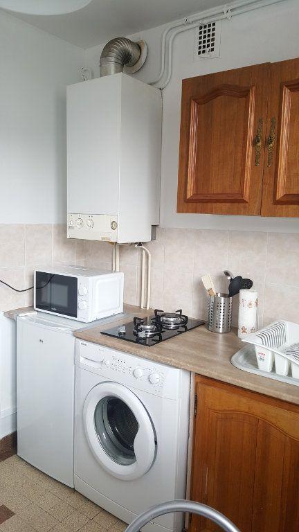 Appartement à louer 1 28m2 à Beauvais vignette-7