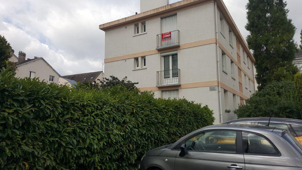 Appartement à louer 1 28m2 à Beauvais vignette-9