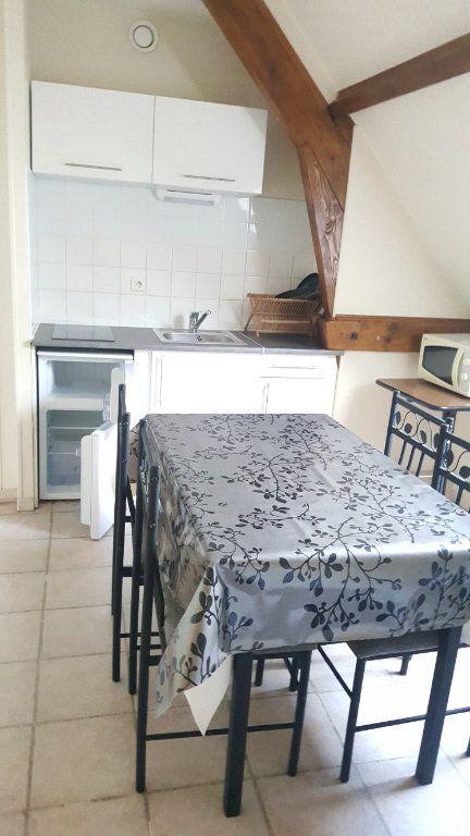 Appartement à louer 1 16m2 à Beauvais vignette-3