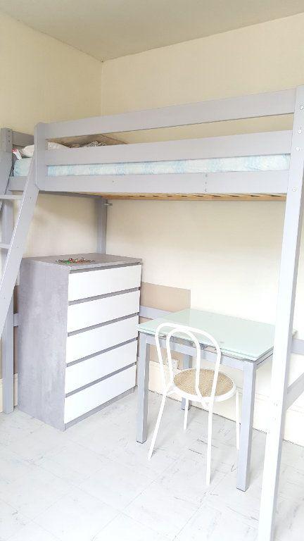 Appartement à louer 1 9.32m2 à Beauvais vignette-1