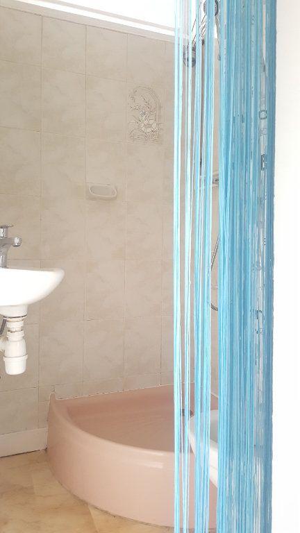 Appartement à louer 1 9.32m2 à Beauvais vignette-2