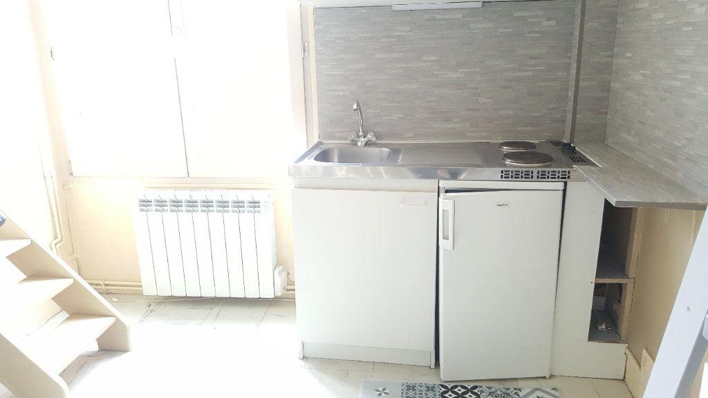Appartement à louer 1 9.32m2 à Beauvais vignette-3