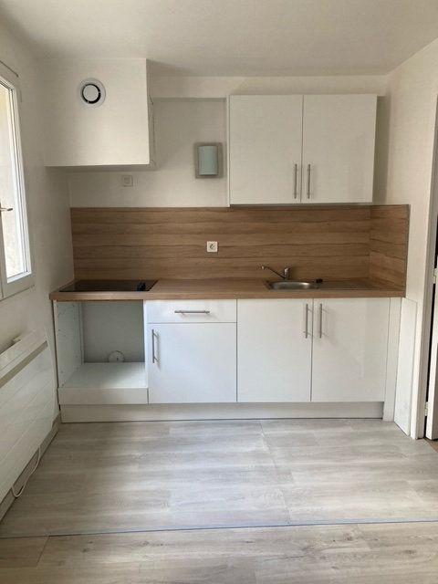 Appartement à louer 3 37.77m2 à Beauvais vignette-1
