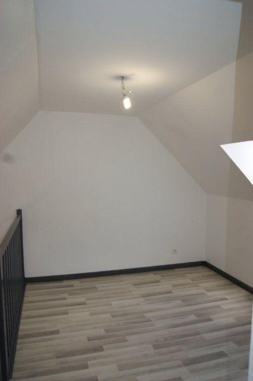 Appartement à louer 3 37.77m2 à Beauvais vignette-2