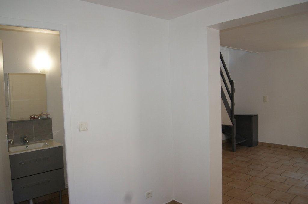 Appartement à louer 3 37.77m2 à Beauvais vignette-8