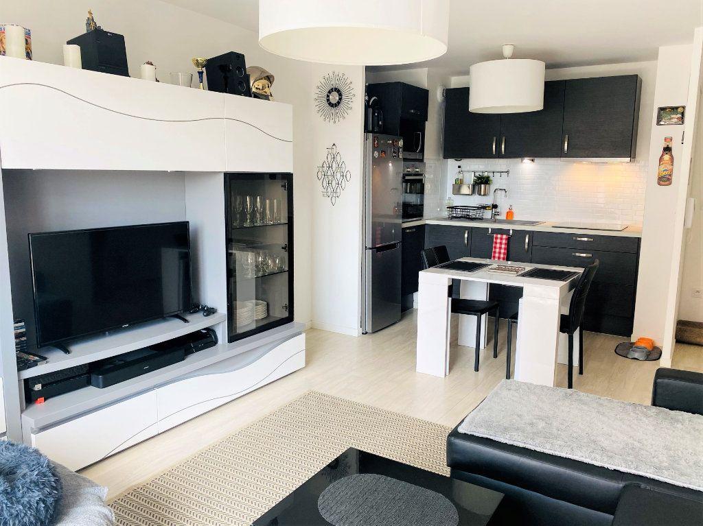 Appartement à vendre 3 56.6m2 à Beauvais vignette-2
