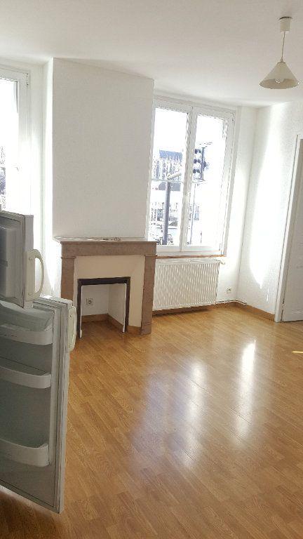 Appartement à louer 2 34.8m2 à Beauvais vignette-2