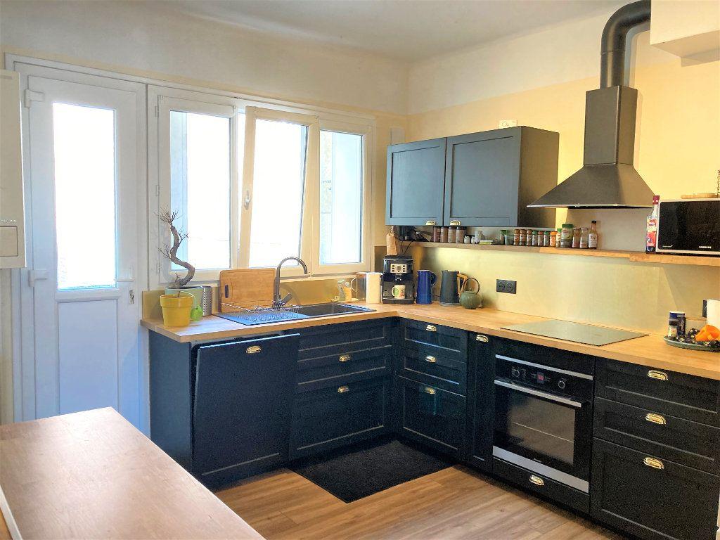 Appartement à vendre 4 109m2 à Beauvais vignette-2