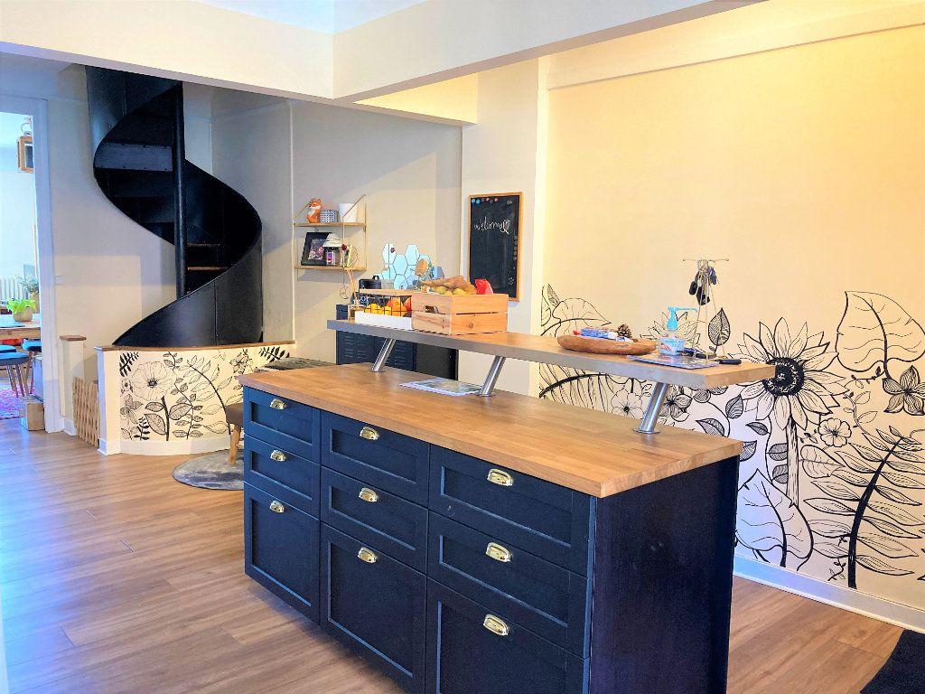 Appartement à vendre 4 109m2 à Beauvais vignette-3