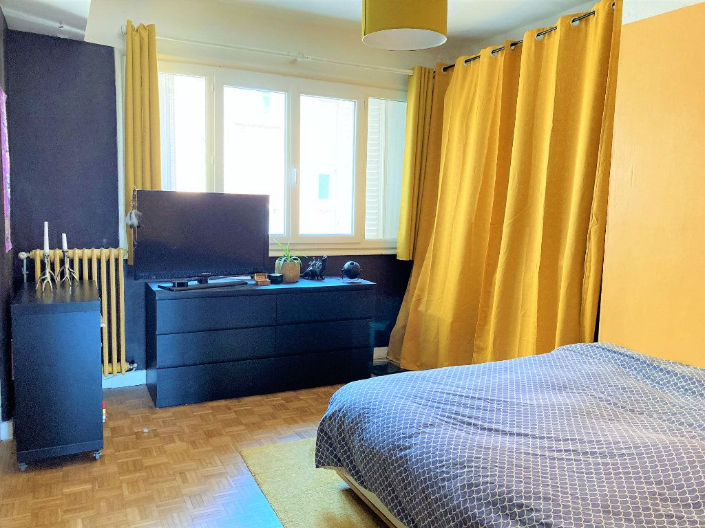 Appartement à vendre 4 109m2 à Beauvais vignette-4