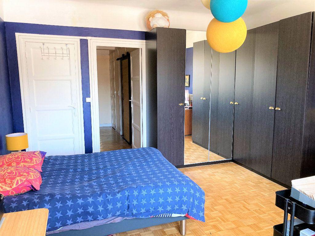 Appartement à vendre 4 109m2 à Beauvais vignette-5