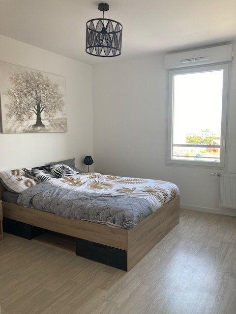 Appartement à louer 3 61.47m2 à Beauvais vignette-2