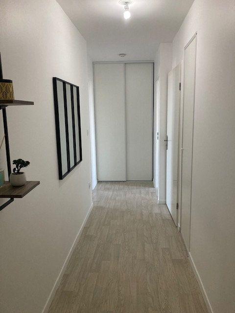 Appartement à louer 3 61.47m2 à Beauvais vignette-7