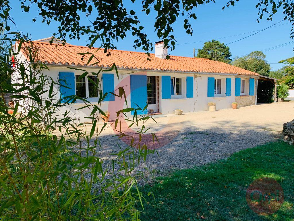 Maison à vendre 6 131m2 à Challans vignette-2