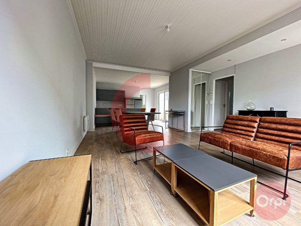 Maison à vendre 5 97.32m2 à Challans vignette-3