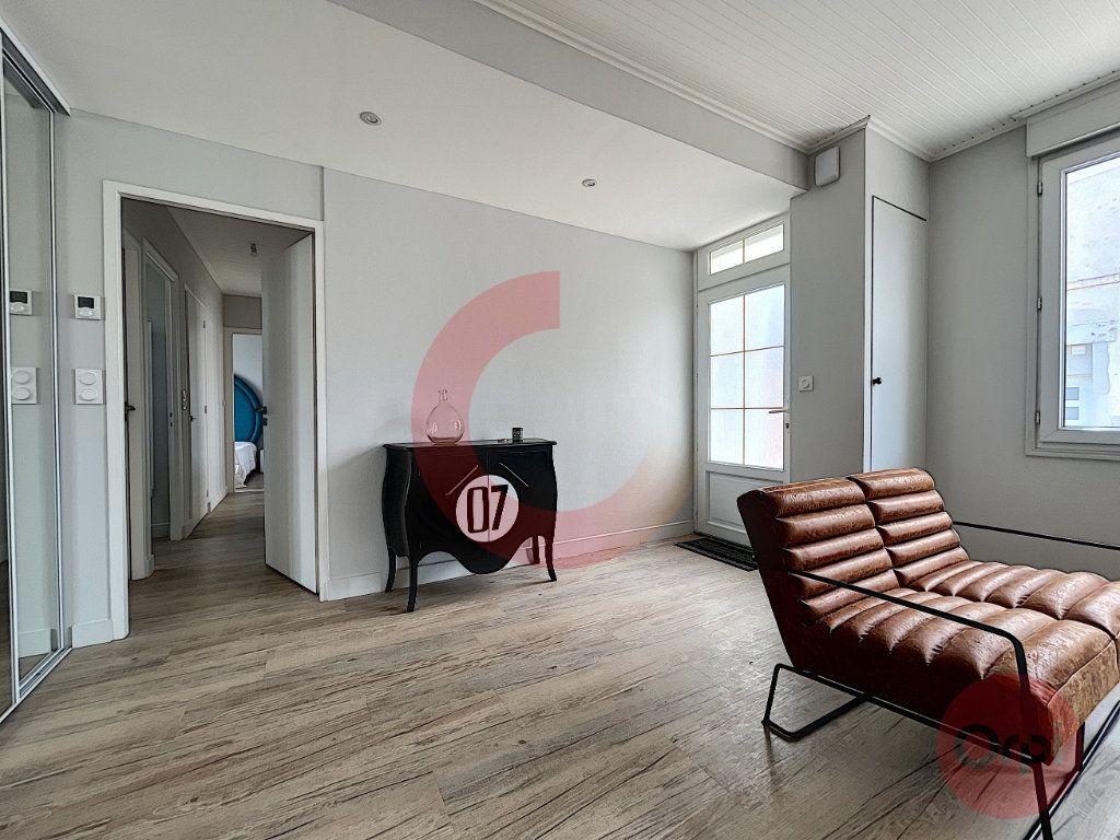 Maison à vendre 5 97.32m2 à Challans vignette-5