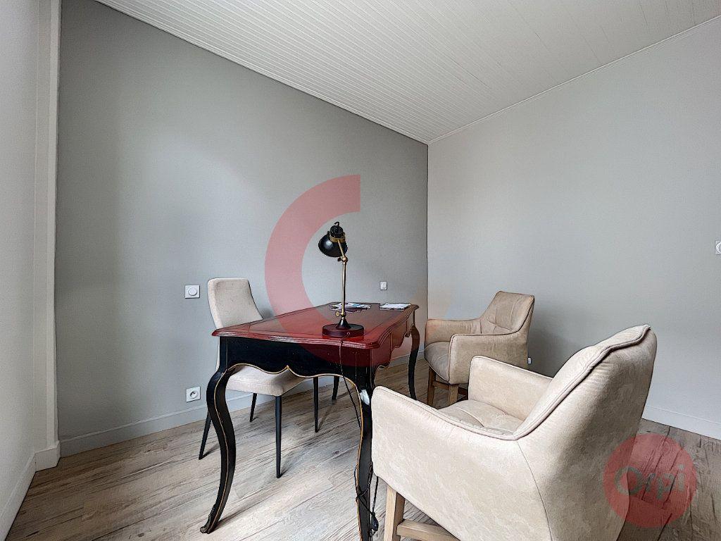 Maison à vendre 5 97.32m2 à Challans vignette-6