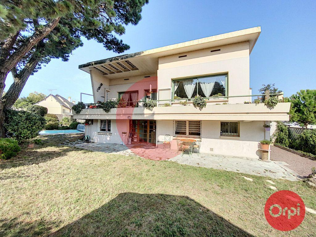 Maison à vendre 5 175m2 à Saint-Jean-de-Monts vignette-1