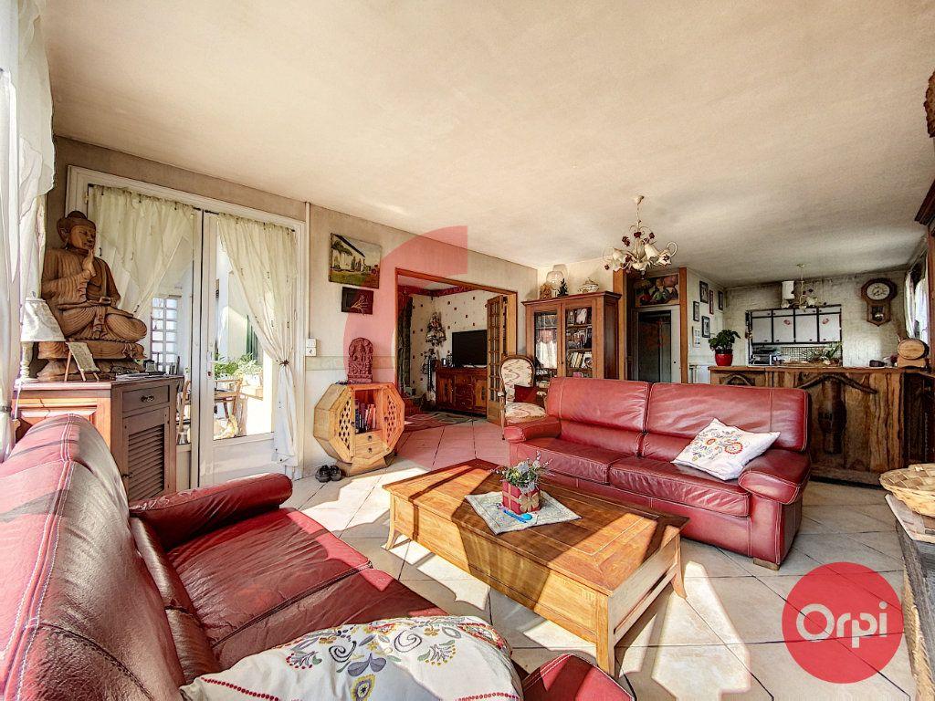 Maison à vendre 5 175m2 à Saint-Jean-de-Monts vignette-4