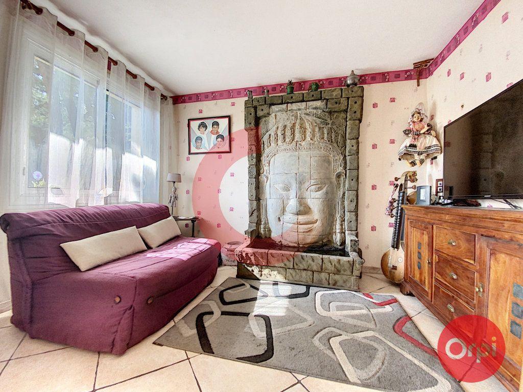 Maison à vendre 5 175m2 à Saint-Jean-de-Monts vignette-5
