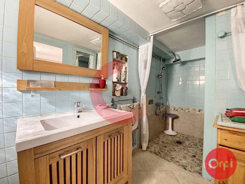 Maison à vendre 5 175m2 à Saint-Jean-de-Monts vignette-8