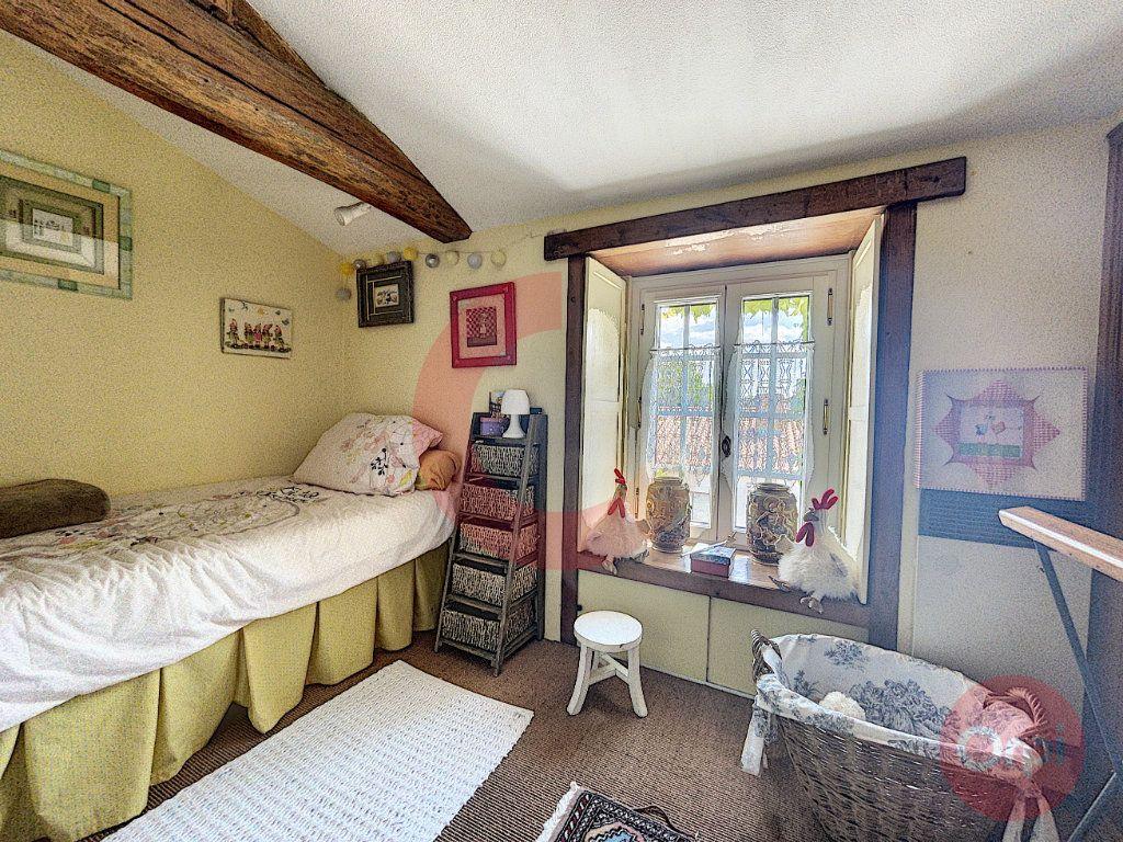 Maison à vendre 10 350m2 à La Garnache vignette-8